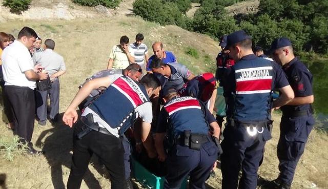 Uşak'ta genç baba serinlemek için girdiği gölette boğuldu