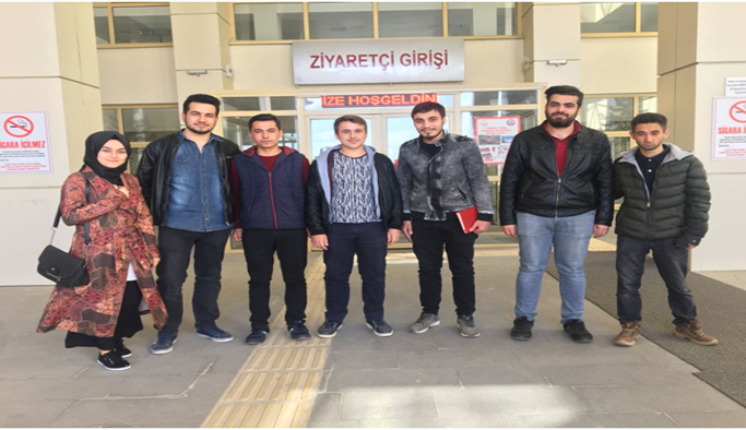 """Uşak Üniversitesi Öğrencileri """"Geleceğini Çöpe Atma"""" dedi"""