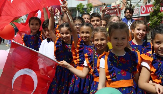 Uşak'ta ki çocuk festivali başladı