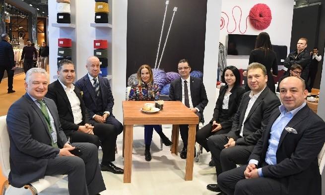 Vali Funda Kocabıyık, 18. Uluslararası İstanbul İplik Fuarında