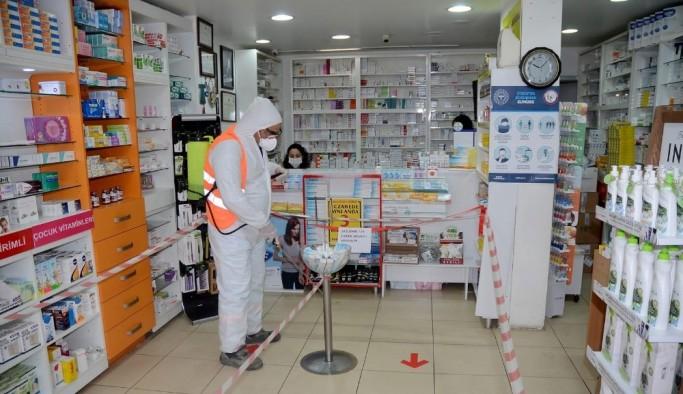 Kuşadası'nda korona virüsle mücadele aralıksız sürüyor
