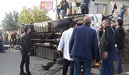 Uşak'ta Servis otobüsü kaza yaptı:...