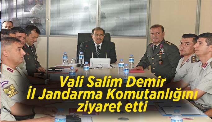 Vali Salim Demir İl Jandarma Komutanlığını ziyaret etti