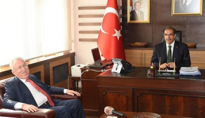 Türkiye Cumhuriyeti  Tokyo Büyükelçisi Mercan, Vali Demir'i Ziyaret Etti