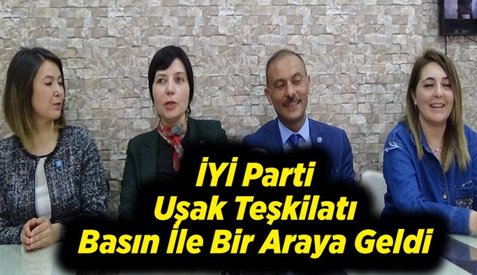 İYİ Parti Uşak Teşkilatı Basın İle Bir Araya Geldi