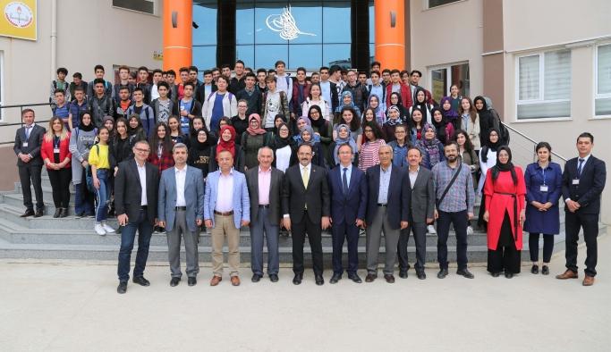 Başkan Cahan Öğrencilerle Kariyer Söyleşisinde Buluştu