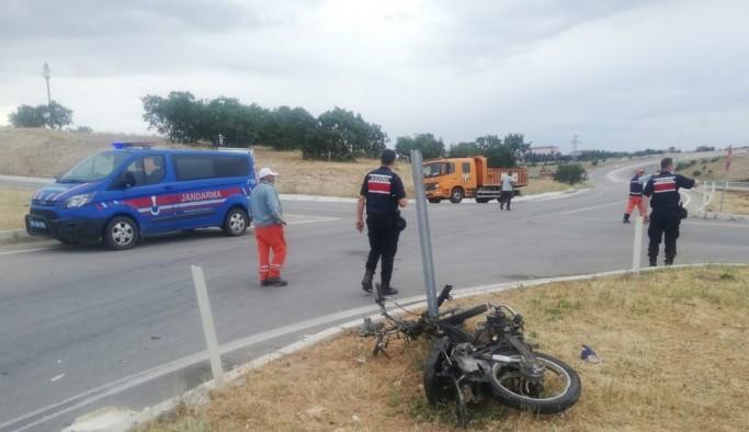 Uşak'ta motosiklet ile otomobil çarpıştı: 1 ölü