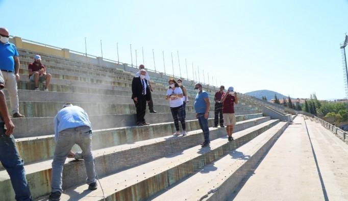 Atatürk Stadyumu açık tribünü yenileniyor