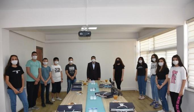 Başkan Çelik, ŞEGEM'in başarılı öğrencilerini ödüllendirdi