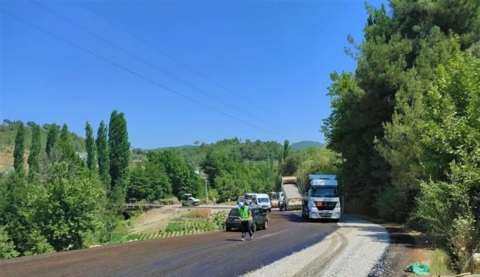 Çayboyu, Yeşilköy ve Kurucuova yolları asfaltlandı