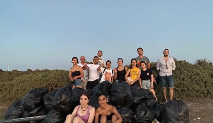 Didimli gençler çevre temizliği yaptı