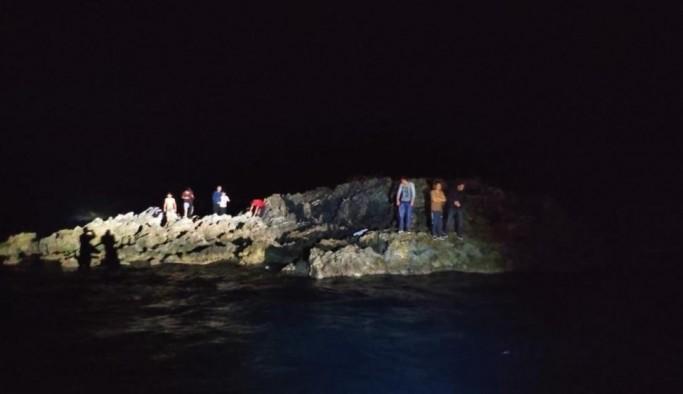 Kuşadası açıklarında yardım talebinde bulunan 8 göçmen kurtarıldı