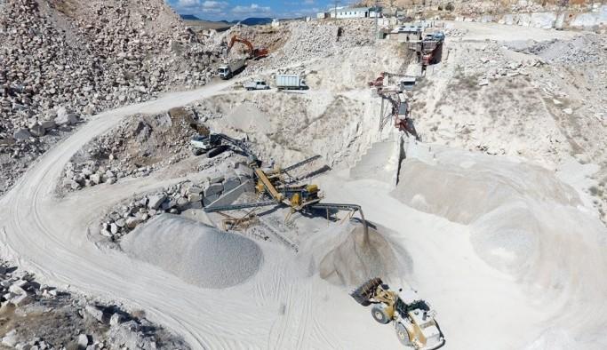 Mermer atıklarından asfalt malzemesi üretiliyor
