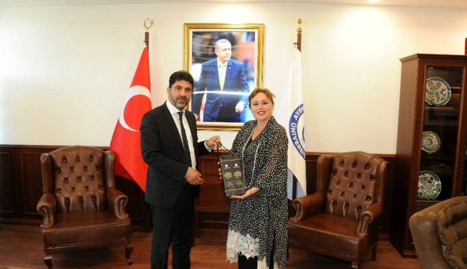 Pınar Altınok, ADÜ'yü ziyaret etti