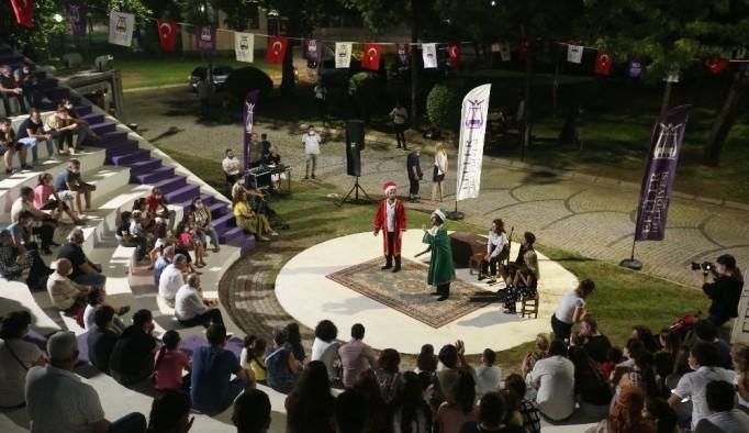 Pınarbaşı tiyatro gösterilerine ev sahipliği yapıyor