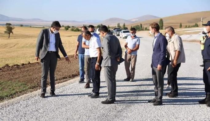 Vali Çelik, Altıntaş ilçesine bağlı Osmaniye-Yayla Köy yolunu inceledi