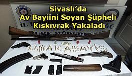 Sivaslı'da Av Bayiini Soyan Şüpheli Kıskıvrak Yakaladı