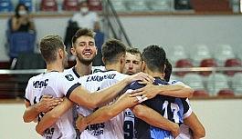 6. TSYD İzmir Voleybol Turnuvası'nda ilk maçın galibi Arkas Spor